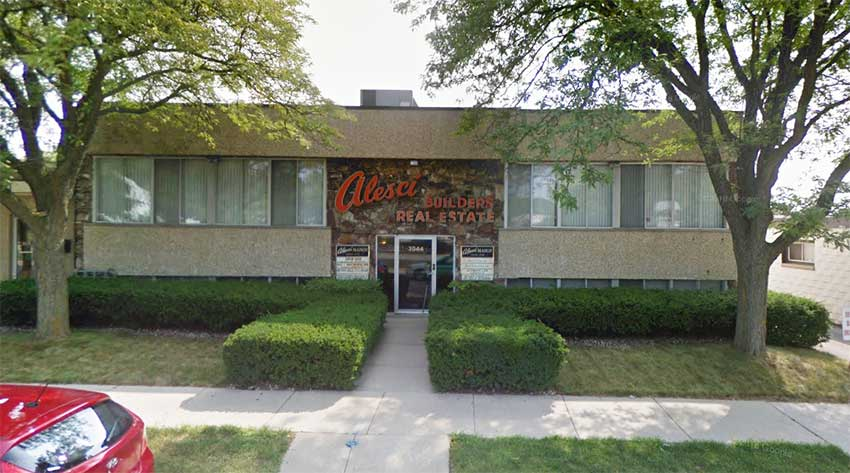 Metro Realty is located at 3044 S. 92nd Street in West Allis, Wisconsin